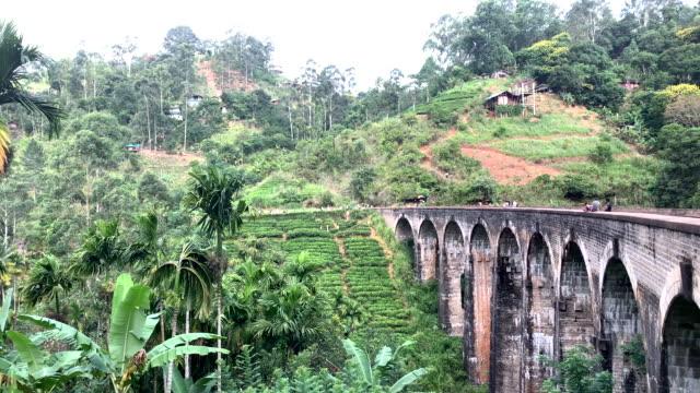 vídeos y material grabado en eventos de stock de puente de los nueve arcos en sri lanka - número 9