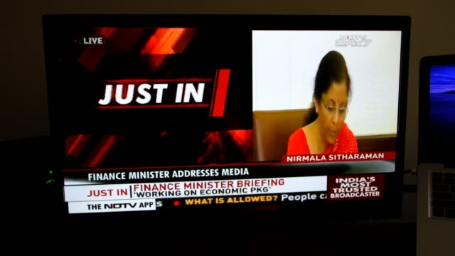 stockvideo's en b-roll-footage met nirmala sitharaman is an indian politician serving as the current minister of finance and corporate affairs of india. she along with anurag thalur,... - aankondigingsbericht