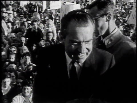 vídeos y material grabado en eventos de stock de nixon and agnew greeting people in a crowd / united states - 1968