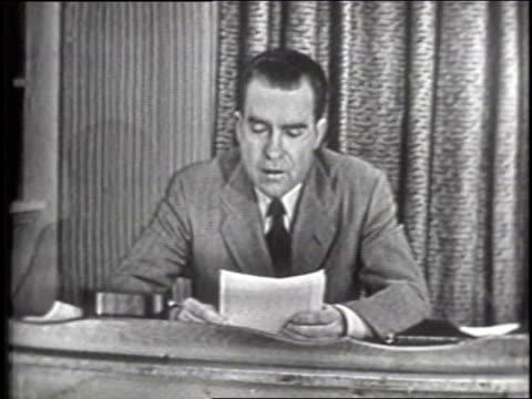 nixon 'checkers' speech, part 5 of 9 - anno 1952 video stock e b–roll
