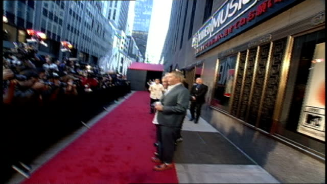 no doubt arriving to the 1997 mtv video music awards red carpet in nyc - no doubt band stock videos & royalty-free footage