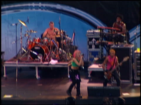 no doubt at the kroq weenie roast at edison field in anaheim california on june 17 2000 - kroq weenie roast stock videos & royalty-free footage