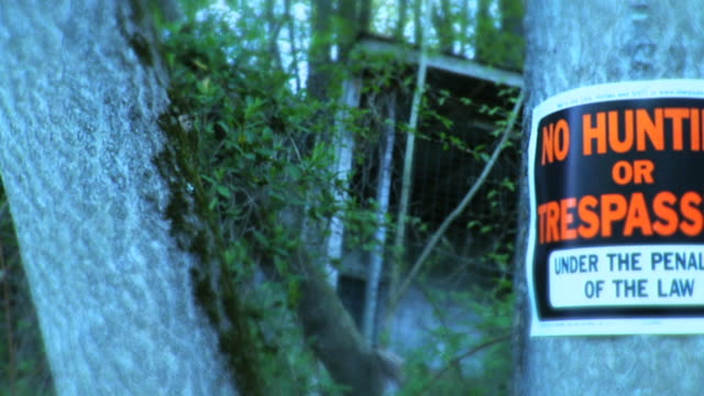 no hunting or trespassing sign - no trespassing stock videos & royalty-free footage