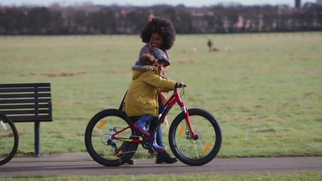 no more stabilisers! - cycling stock videos & royalty-free footage