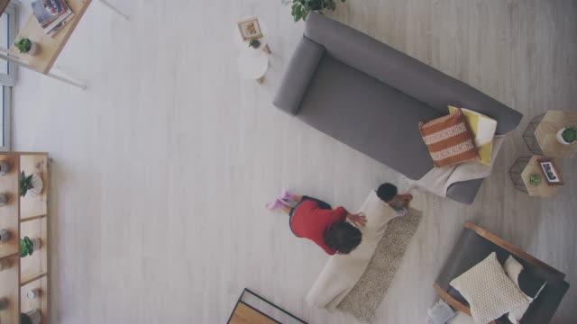 誰もママのように楽しむ方法を知らない - ラグ点の映像素材/bロール