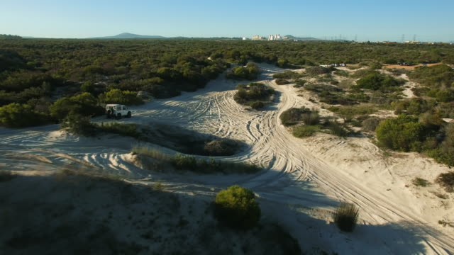 ingen väg, inga problem - namibian desert bildbanksvideor och videomaterial från bakom kulisserna
