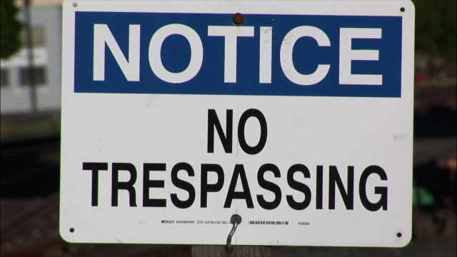 "cu, zo, ""no trespassing"" sign - no trespassing stock videos & royalty-free footage"