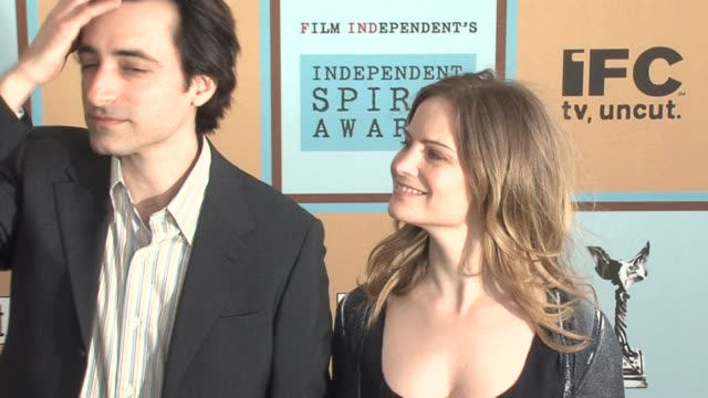 noah baumbach and jennifer jason leigh at the the 21st annual ifp independent spirit awards in santa monica california on march 4 2006 - ifp independent spirit awards stock videos and b-roll footage