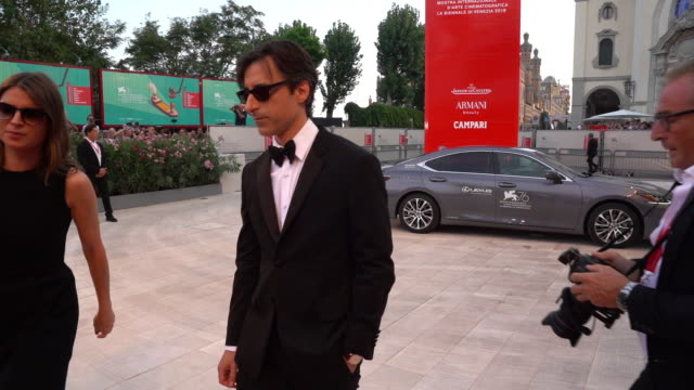 noah baumbach at marriage story red carpet arrivals 76th venice film festival at palazzo del casino on august 29 2019 in venice italy - noah baumbach stock videos and b-roll footage