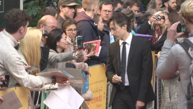 noah baumbach at 'the meyerowitz stories' uk premiere 61st bfi london film festival at embankment gardens cinema on october 6 2017 in london england - noah baumbach stock videos and b-roll footage