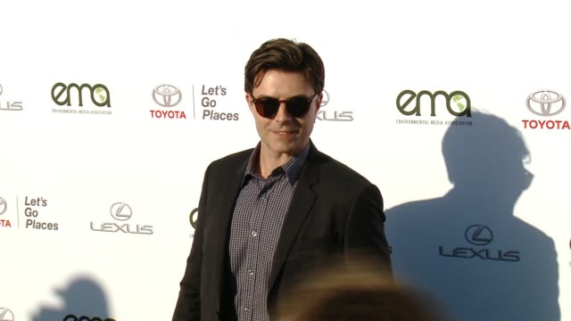 noah bean at the 27th annual environmental media association awards at barker hangar on september 23 2017 in santa monica california - barker hangar stock videos & royalty-free footage