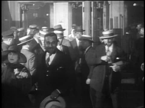 Noah Beery date at premiere of Glorifying the American Girl in NYC / newsreel