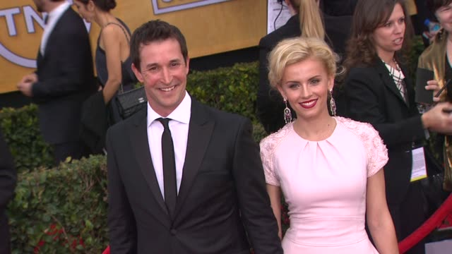 noah wyle at 19th annual screen actors guild awards arrivals 1/27/2013 in los angeles ca - noah wyle stock videos and b-roll footage
