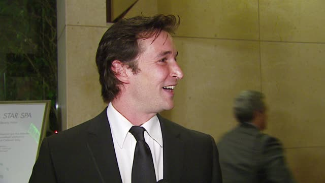 vídeos de stock e filmes b-roll de noah wyle at the 2006 annual american cinematheque awards honoring george clooney at the beverly hilton in beverly hills california on october 13 2006 - cinemateca americana