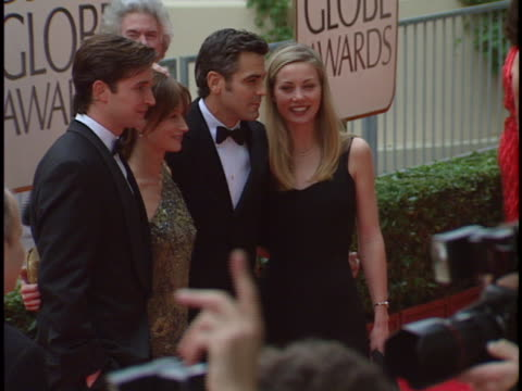 noah wyle at the golden globes 98 at beverly hilton hotel beverly hills in beverly hills ca - the beverly hilton hotel stock-videos und b-roll-filmmaterial