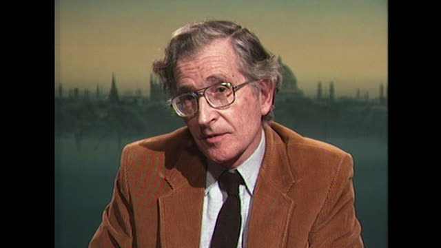 vídeos y material grabado en eventos de stock de noam chomsky comments on the iraq invasion of kuwait saying 'this is one act of aggression that the united states and england don't happen to like' - partido republicano norteamericano