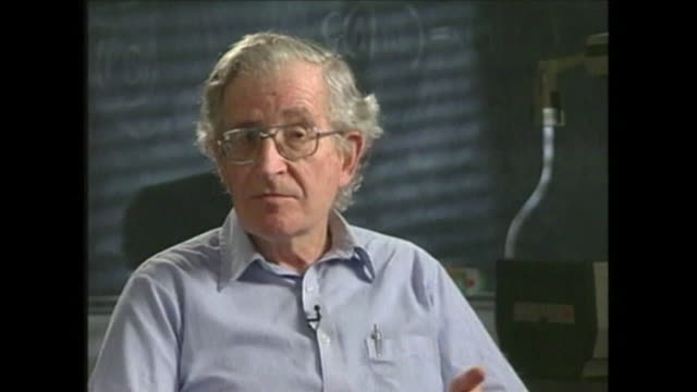 vídeos de stock, filmes e b-roll de noam chomsky saying 'this is a heavy polled society we know a lot about people's attitude not because of social sciences but because business wants... - a. gore