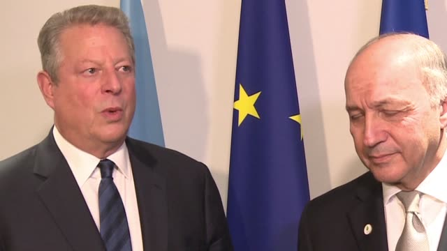 vídeos de stock, filmes e b-roll de nobel laureate al gore expressed hope on thursday that the climate crisis would be solved at the un climate talks and called for a massive investment... - a. gore