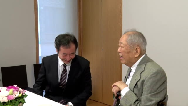 Nobel Physics Prize winner Takaaki Kajita 56 years old director of the University of Tokyo Institute for Cosmic Ray Research met with his mentor...