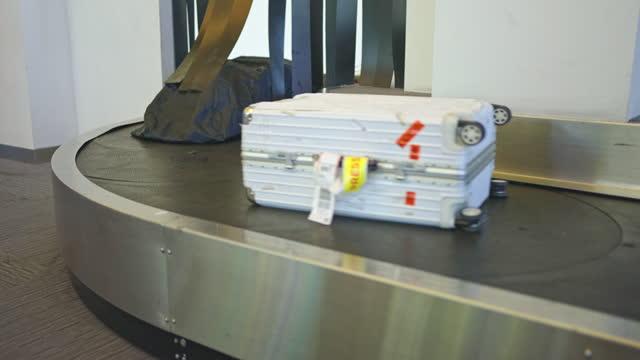 niemand reist am flughafen - flugpassagier stock-videos und b-roll-filmmaterial