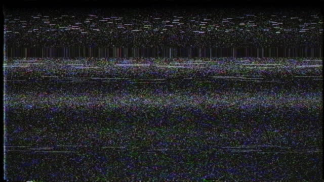 vídeos de stock e filmes b-roll de vhs noise on a tv screen. bars of analog tv static moving - vídeo