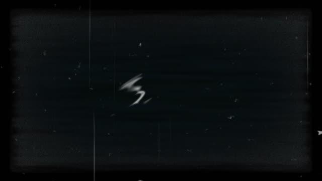 stockvideo's en b-roll-footage met ruis op analoge tv-scherm vhs - verwrongen
