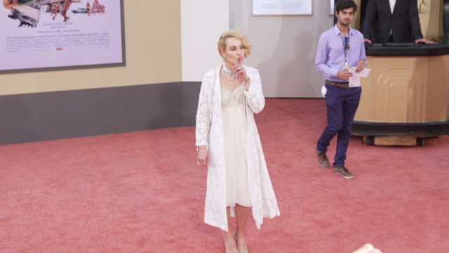 "stockvideo's en b-roll-footage met noomi rapace at the ""once upon a time in hollywood"" premiere at tcl chinese theatre on july 22, 2019 in hollywood, california. - tcl chinese theatre"