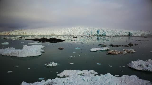 nordenskiöld glacier - スヴァールバル諸島点の映像素材/bロール