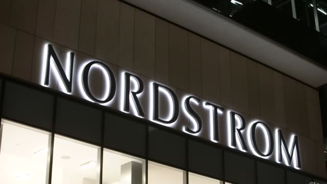 stockvideo's en b-roll-footage met nordstrom store in downtown vancouver british columbia canada on january 12 2017 shots wide shot of nordstrom store as pedestrians walk by / cu of... - nordstrom