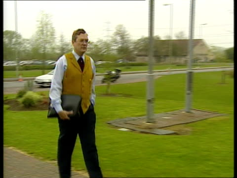 norfolk farmer tony martin appeal lodged; itn england: oxfordshire: bullingdon prison: ext nick makin towards past as arriving at prison nick makin... - oxfordshire stock videos & royalty-free footage