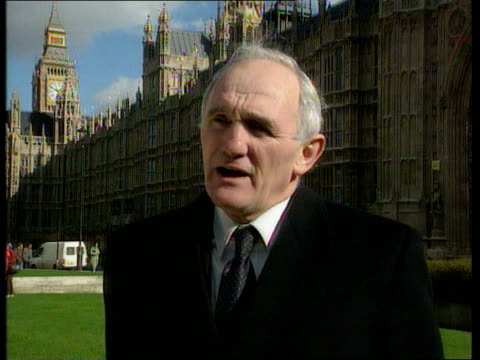 norman lamont votes against government on europe ext westminster cms john townend tory mp for bridlington interview sot nobody votes against the govt... - bridlington stock-videos und b-roll-filmmaterial