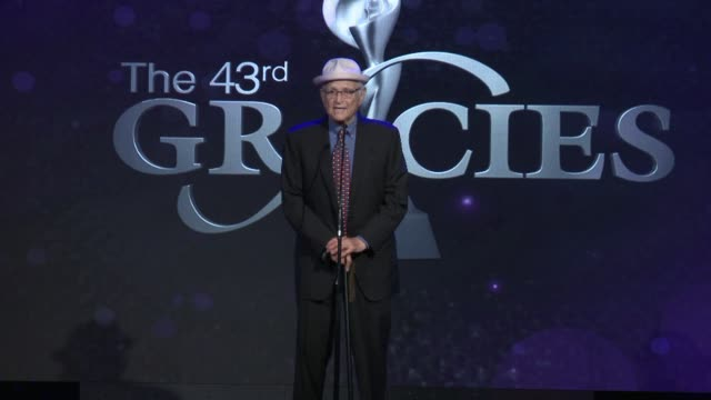speech norman lear at the 43rd annual gracie awards at the beverly wilshire four seasons hotel on may 22 2018 in beverly hills california - norman lear stock videos and b-roll footage