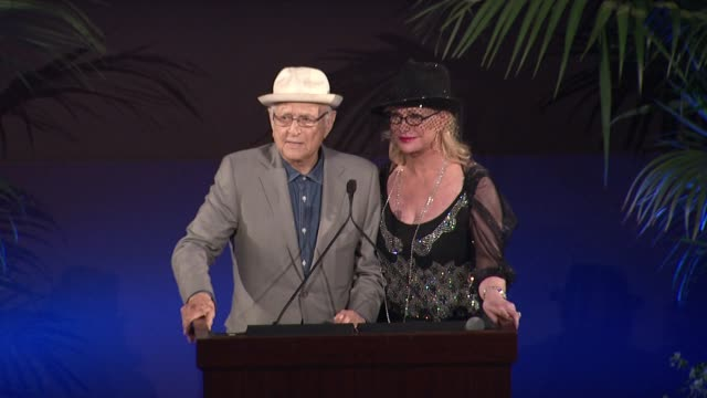 speech norman lear lyn lear at 25th annual environmental media awards in los angeles ca - norman lear stock videos and b-roll footage
