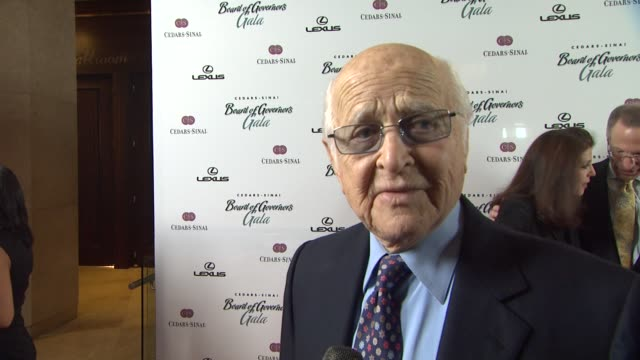 norman lear on barbra streisand at the the cedarssinai board of governors annual gala at beverly hills ca - norman lear stock videos and b-roll footage
