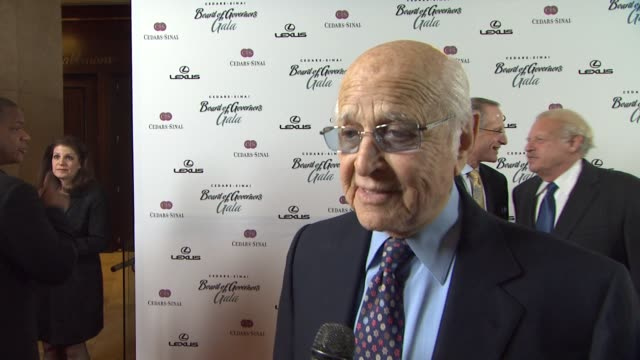 norman lear on cedars sinai barbra streisand at the the cedarssinai board of governors annual gala at beverly hills ca - norman lear stock videos and b-roll footage
