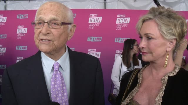 interview norman lear on what it means to receive this honor and why he continues to make television he believes in at tv land icon awards arrivals... - norman lear stock videos and b-roll footage