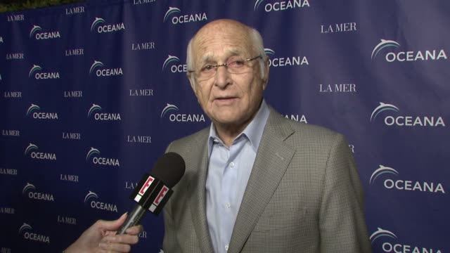 norman mailer at the oceana's annual partners award gala honoring former president bill cli at los angeles ca - oceana stock videos & royalty-free footage