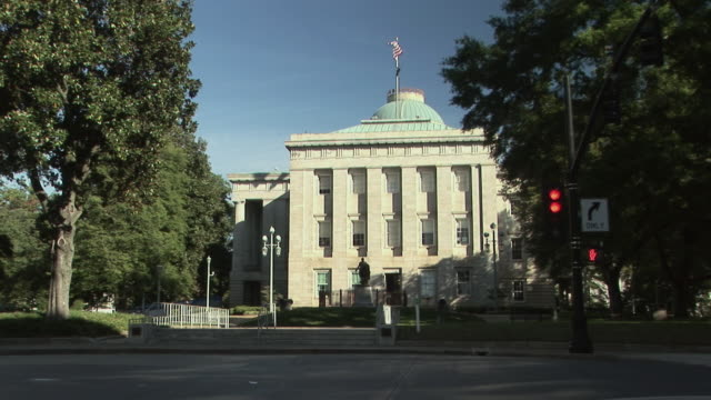 ws, north carolina state capitol, raleigh, north carolina, usa - state capitol building stock videos & royalty-free footage