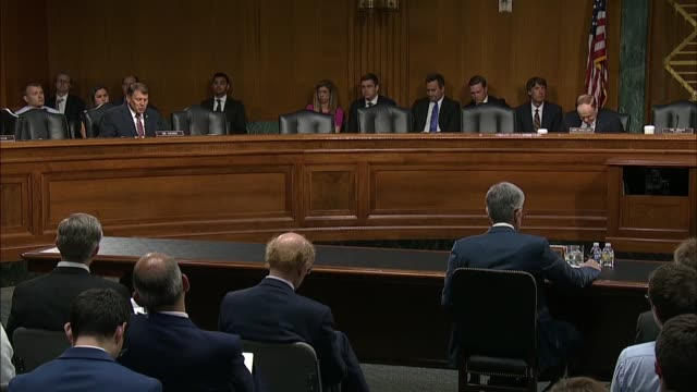 north dakota senator mike rounds quotes jpmorgan chase chairman jamie dimon at a senate banking committee at a semiannual oversight hearing on the... - 中央銀行点の映像素材/bロール
