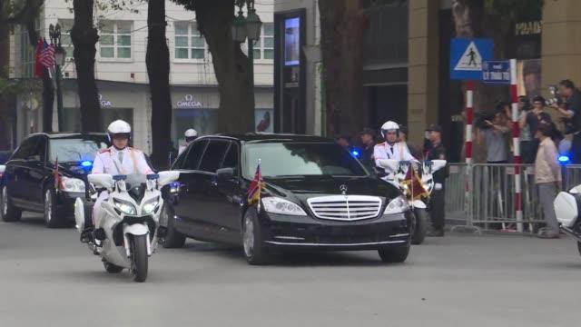 north korean leader kim jong un's motorcade leaves metropole hotel in hanoi after meeting with us president donald trump - g8:s toppmöte bildbanksvideor och videomaterial från bakom kulisserna