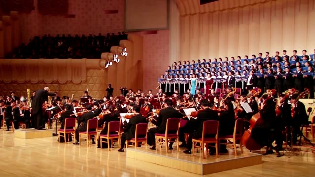 north korea's state symphony orchestra performed beethoven's ninth symphony under the baton of celebrated japanese conductor michiyoshi inoue at the... - chorsänger stock-videos und b-roll-filmmaterial