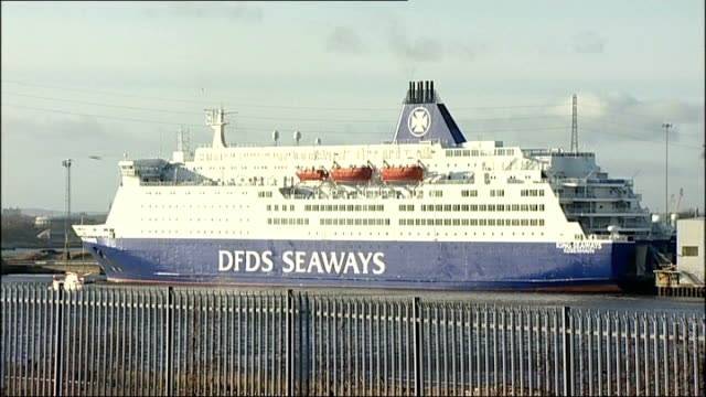 stockvideo's en b-roll-footage met man charged with arson england tyne and wear north shields 'port of tyne international passenger terminal' various shots of dfds seaways ferry 'ms... - tyne and wear