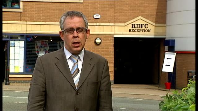 reporter to camera - northampton stock-videos und b-roll-filmmaterial