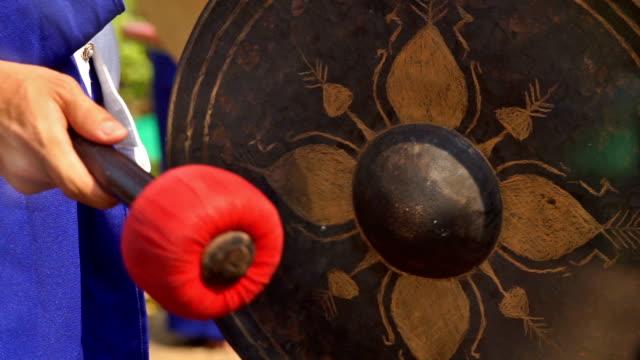 北部 伝統的なタイ式ゴング音 - 太鼓点の映像素材/bロール