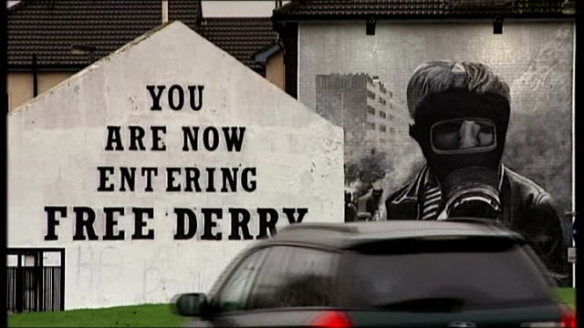 northern ireland attorney general calls for end to troubles prosecutions t02011353 / tx londonderry murals on wall 'you are now entering free derry'... - derry northern ireland stock videos & royalty-free footage