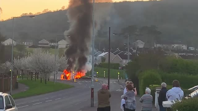 children as young as 12 involved in londonderry disorder; northern ireland: ext wide shot smoke rising from burning vehicles - smoke physical structure stock videos & royalty-free footage