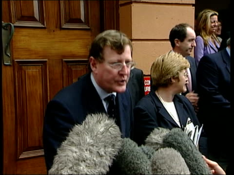 stockvideo's en b-roll-footage met david trimble reelected itn ireland belfast ext david trimble mla press conference sot republicans only move under pressure/ they don't keep their... - david trimble