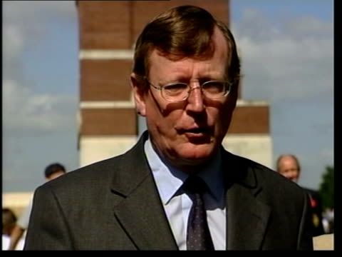 stockvideo's en b-roll-footage met david trimble resignation david trimble mla interviewed sot it's a matter of regret for me but it's necessary to take this step / i believe it is... - david trimble