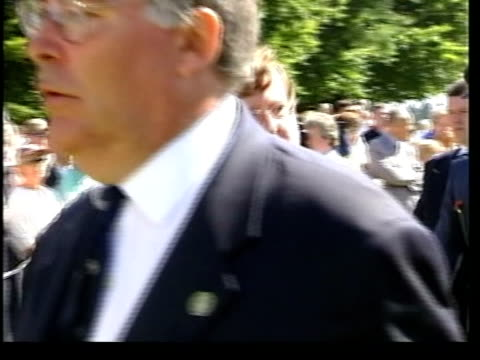 stockvideo's en b-roll-footage met david trimble resignation itn france somme david trimble mla towards past with others during service to commemorate the battle of the somme piper... - david trimble