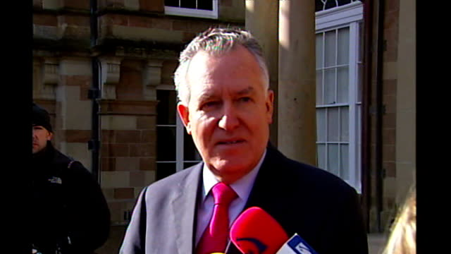 democratic unionists and sinn fein power sharing government peter hain mp speaking to press sot either devolution or dissolution on march 26th - シンフェイン点の映像素材/bロール